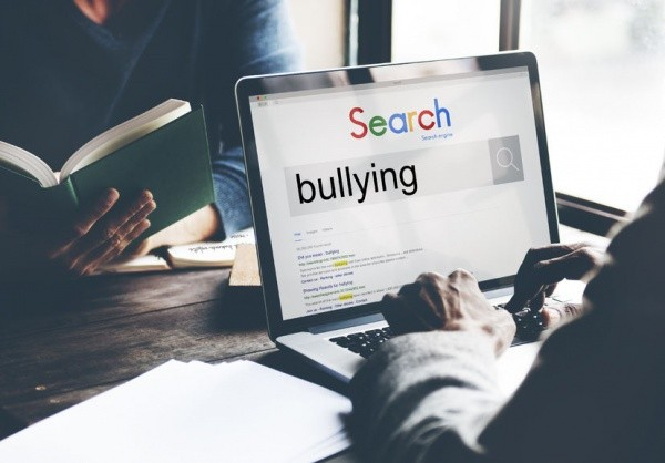 6 Peaceful Ways to Handle Bullies in the Office