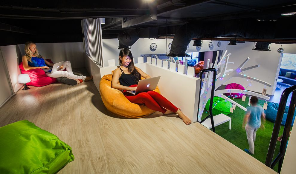10 Most Unusual Offices around the World 2020